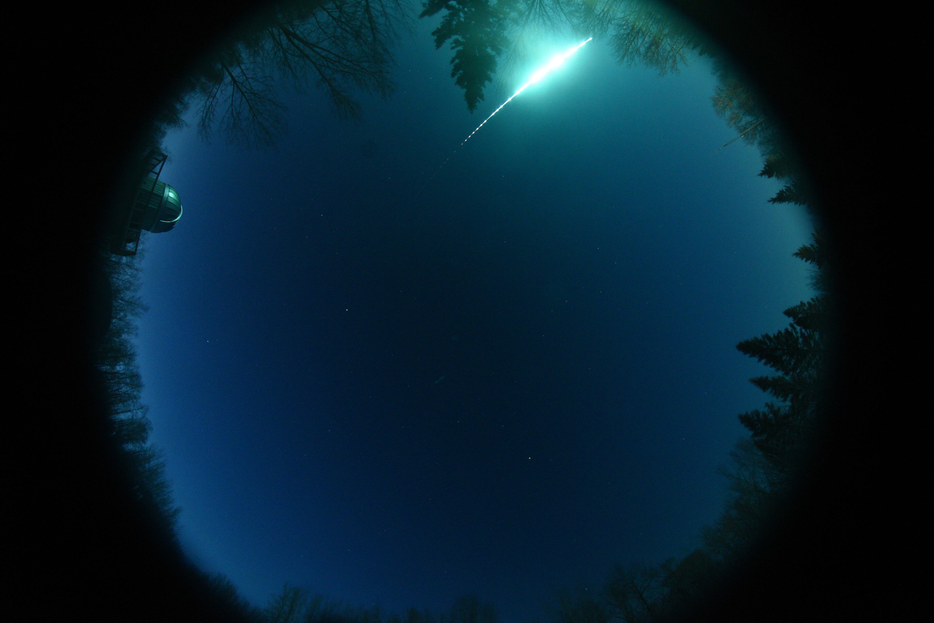 The fireball captured by the MORP 2.0 GFO camera at Miquelon Lake (credit: MORP 2.0, University of Alberta).
